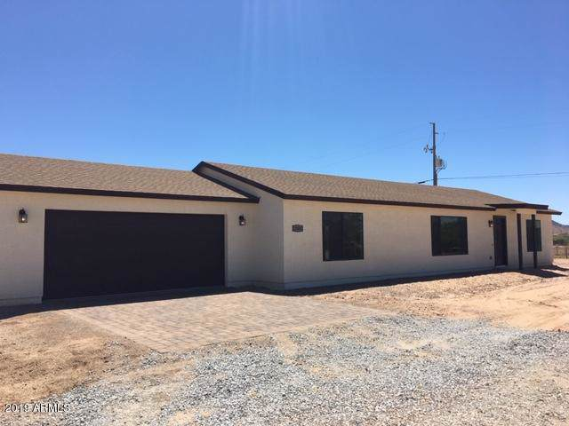 5040 N 335th Avenue, Tonopah, AZ 85354 (MLS #5972838) :: Brett Tanner Home Selling Team