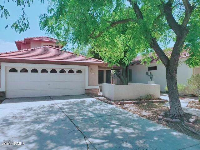 725 N May Street, Chandler, AZ 85226 (MLS #5975500) :: Lucido Agency