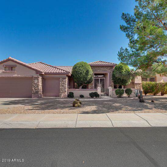 15719 W Clear Canyon Drive, Surprise, AZ 85374 (MLS #5981244) :: Kortright Group - West USA Realty