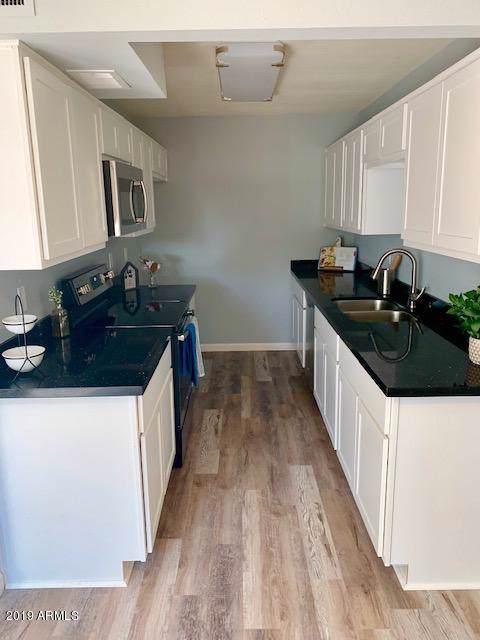 6008 W Golden Lane, Glendale, AZ 85302 (MLS #5984561) :: Kepple Real Estate Group
