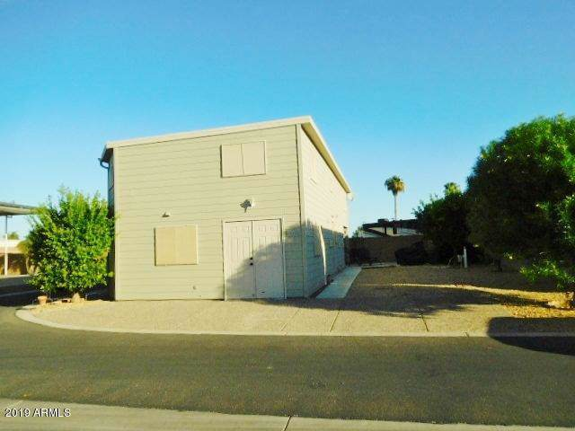 17200 W Bell Road #1765, Surprise, AZ 85374 (MLS #5992897) :: Lucido Agency