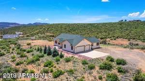 11645 E Prescott Dells Rnch Road, Dewey, AZ 86327 (MLS #6002327) :: Lucido Agency