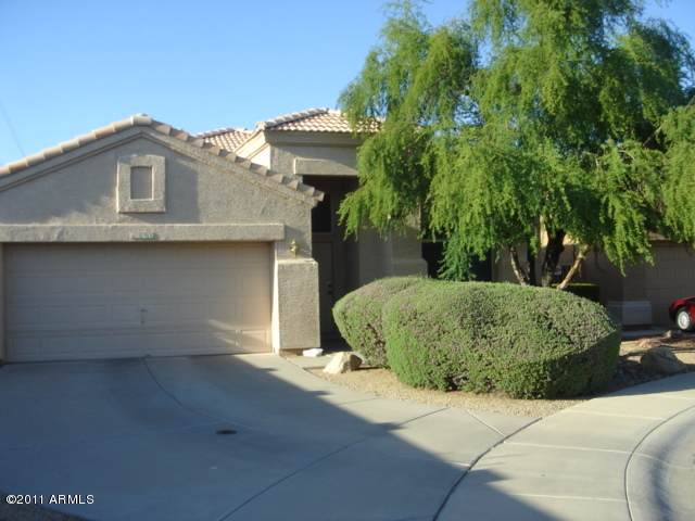 6590 W Linda Court, Chandler, AZ 85226 (MLS #6013248) :: Homehelper Consultants