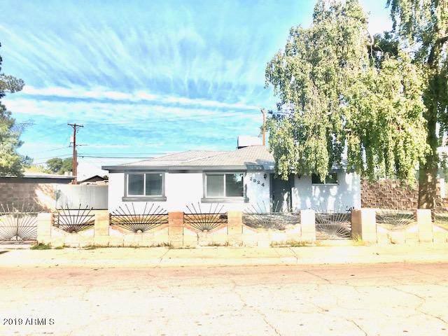 2924 W Lawrence Lane, Phoenix, AZ 85051 (MLS #6014781) :: The Kenny Klaus Team