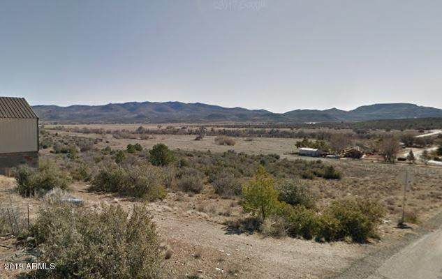 18439 S Peeples Valley Road, Peeples Valley, AZ 86332 (MLS #6033691) :: Arizona 1 Real Estate Team