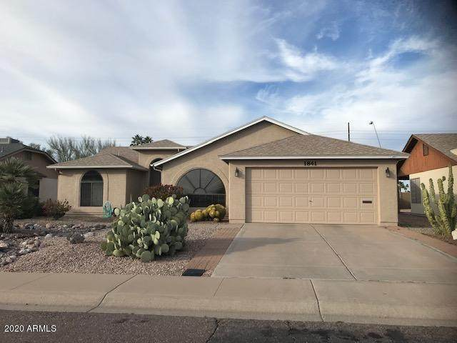 1841 Leisure World, Mesa, AZ 85206 (MLS #6035067) :: Devor Real Estate Associates
