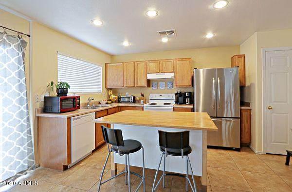 8239 W Carol Avenue, Peoria, AZ 85345 (MLS #6053098) :: Brett Tanner Home Selling Team