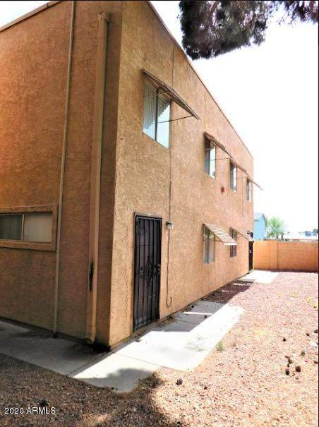 6302 N 64TH Drive #15, Glendale, AZ 85301 (MLS #6063696) :: Klaus Team Real Estate Solutions