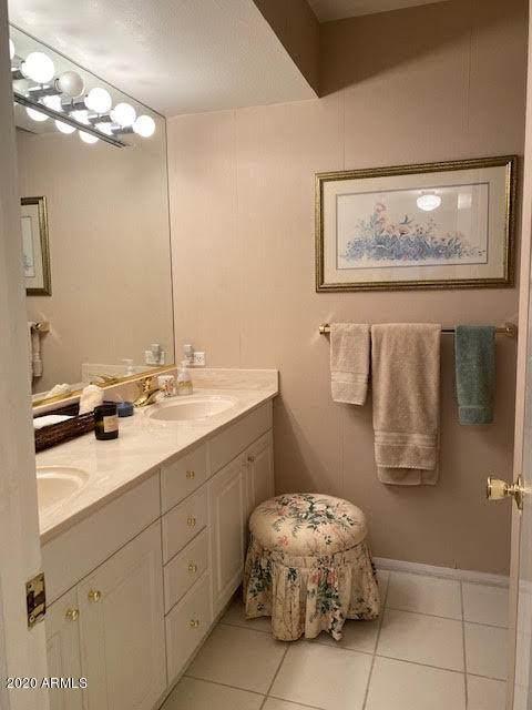8315 E Rose Lane, Scottsdale, AZ 85250 (MLS #6081619) :: Devor Real Estate Associates
