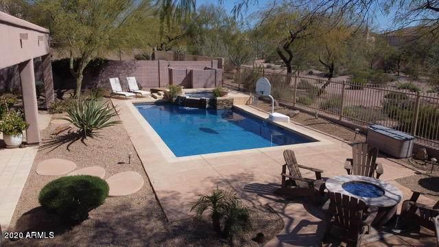 22045 N 55 Th Street, Phoenix, AZ 85054 (MLS #6083526) :: The Laughton Team