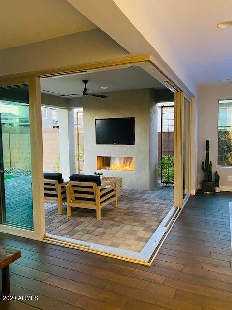 2916 E Tina Drive, Phoenix, AZ 85050 (MLS #6098152) :: Brett Tanner Home Selling Team