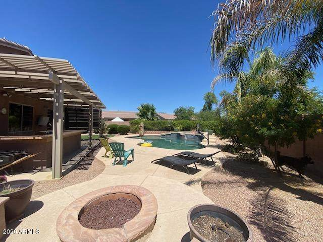 3900 S Emerson Street, Chandler, AZ 85248 (MLS #6100641) :: Openshaw Real Estate Group in partnership with The Jesse Herfel Real Estate Group