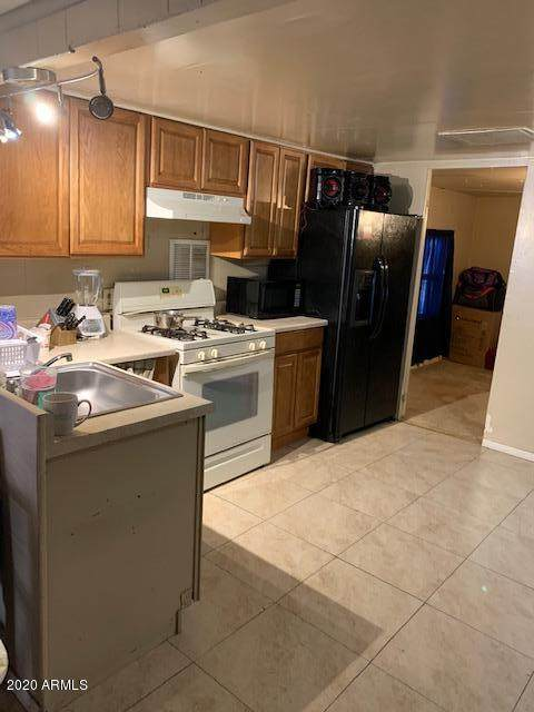 6512 W Van Buren Street #40, Phoenix, AZ 85043 (MLS #6104093) :: Brett Tanner Home Selling Team