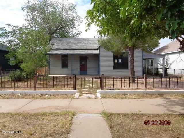 953 E 15TH Street, Douglas, AZ 85607 (MLS #6107958) :: Homehelper Consultants