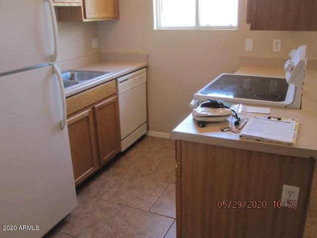 418 E Navajo Avenue, Apache Junction, AZ 85119 (MLS #6111140) :: Brett Tanner Home Selling Team