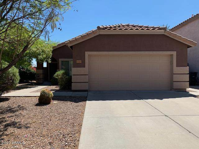 1327 N Balboa Drive, Gilbert, AZ 85234 (MLS #6113609) :: Klaus Team Real Estate Solutions