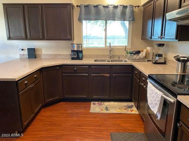7355 W Rose Lane, Glendale, AZ 85303 (MLS #6113998) :: My Home Group