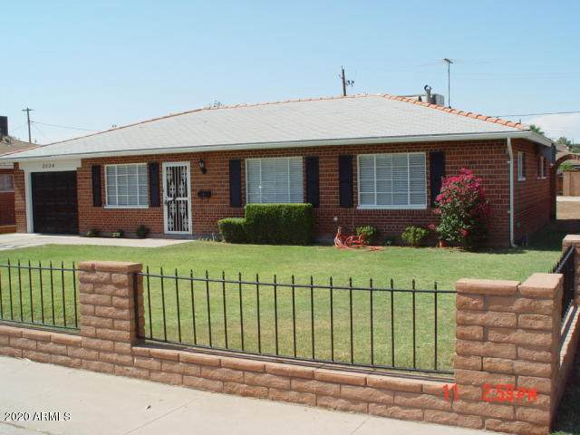 2034 E Hubbell Street, Phoenix, AZ 85006 (MLS #6114443) :: Openshaw Real Estate Group in partnership with The Jesse Herfel Real Estate Group