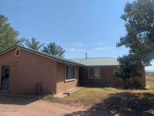 3925 N Kings Highway, Douglas, AZ 85607 (MLS #6148921) :: Walters Realty Group