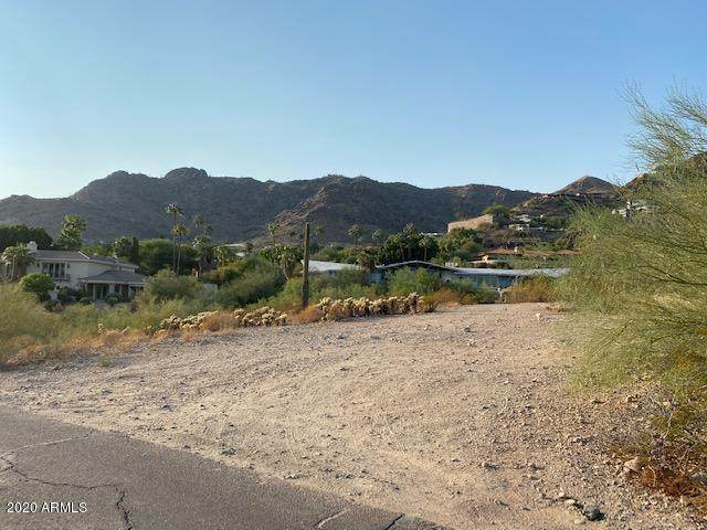 4406 E Sparkling Lane, Paradise Valley, AZ 85253 (MLS #6149670) :: The Helping Hands Team
