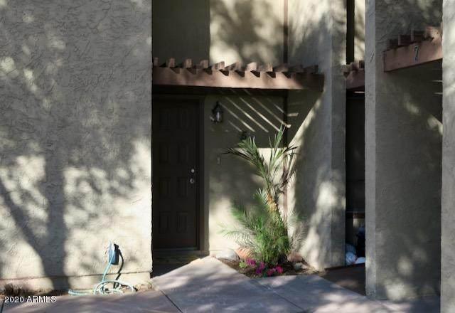 1051 S Dobson Road #5, Mesa, AZ 85202 (MLS #6165425) :: The Laughton Team