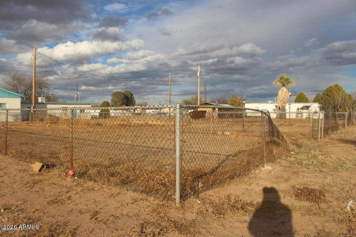 205 Navajo Street - Photo 1