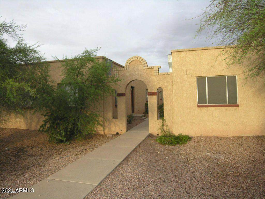 916 Pueblo Drive - Photo 1