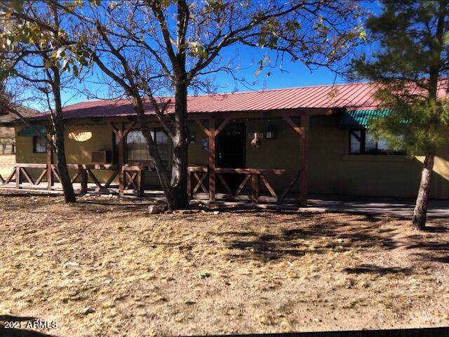 203 S Palm Road, Pearce, AZ 85625 (MLS #6192860) :: Yost Realty Group at RE/MAX Casa Grande