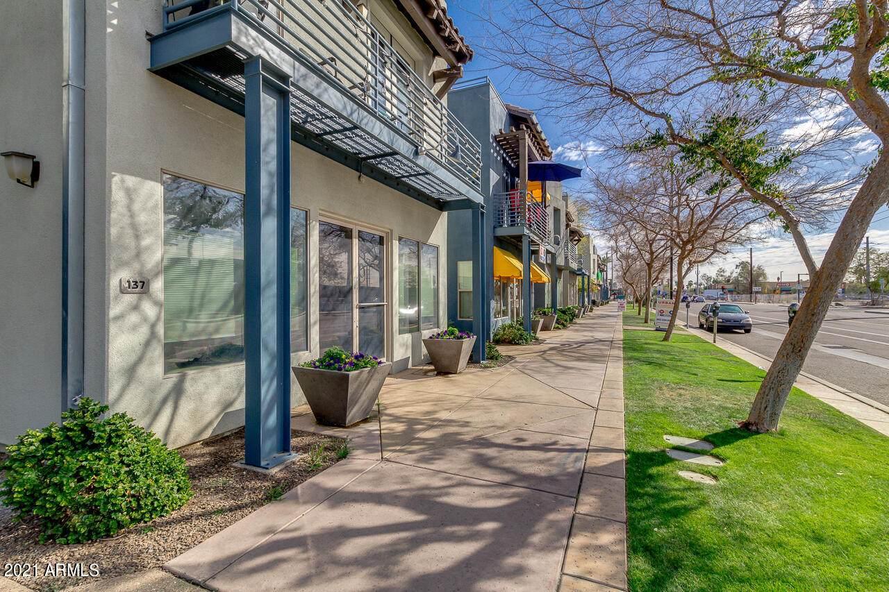 610 Roosevelt Street - Photo 1