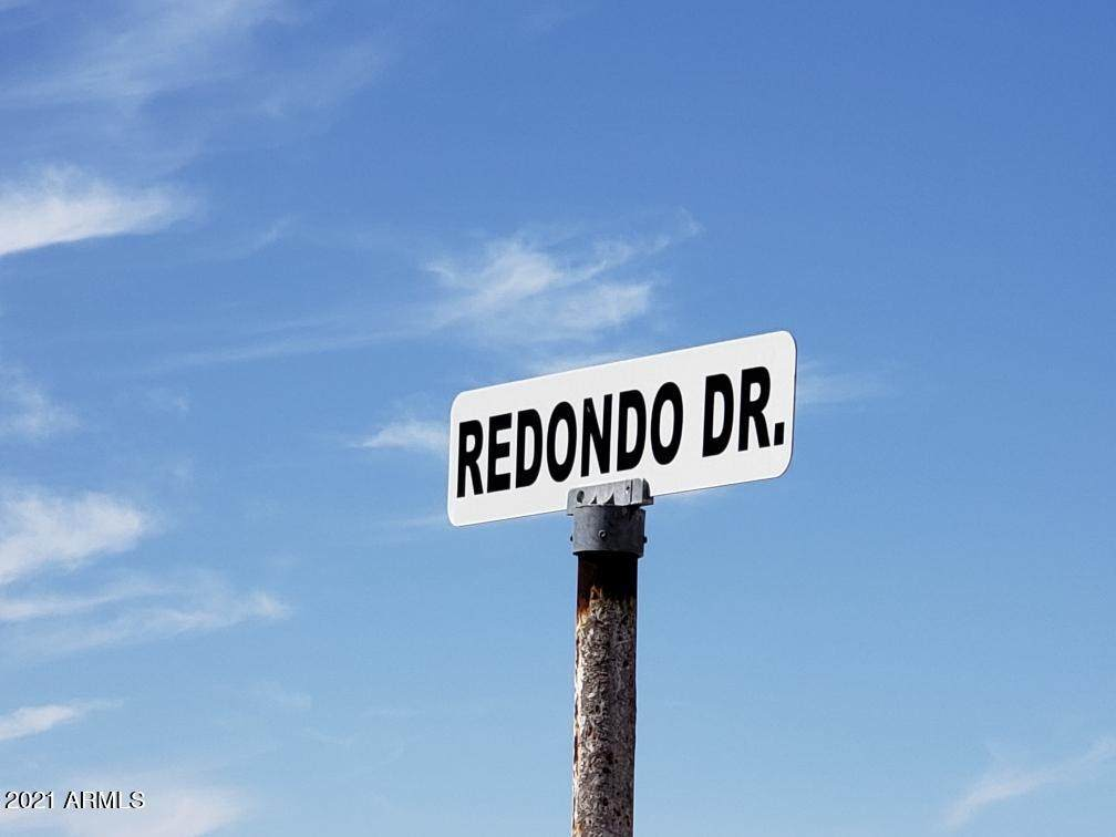 000 Redondo Avenue - Photo 1
