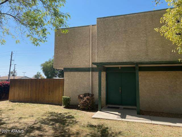 6035 W Golden Lane, Glendale, AZ 85302 (MLS #6214816) :: Selling AZ Homes Team