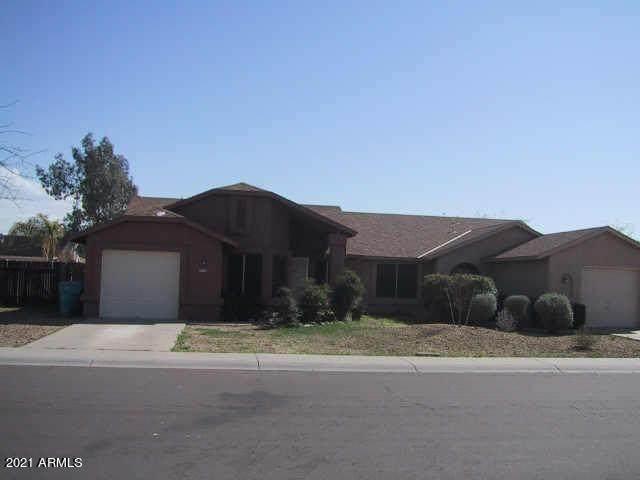 3239 W Tonopah Drive, Phoenix, AZ 85027 (MLS #6216884) :: Yost Realty Group at RE/MAX Casa Grande