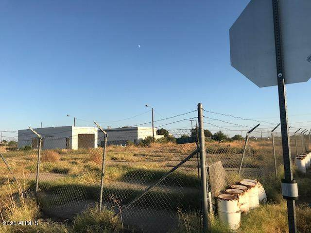 51144 W Powell Street, Aguila, AZ 85320 (MLS #6218634) :: The Laughton Team