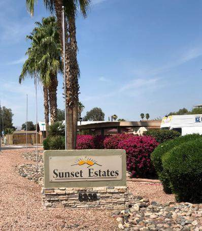 5236 W Peoria Avenue #124, Glendale, AZ 85302 (MLS #6219238) :: RE/MAX Desert Showcase