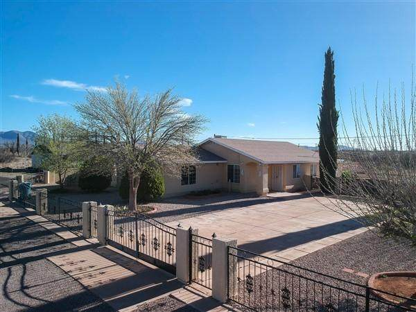 3443 S Desert Drive, Bisbee, AZ 85603 (MLS #6221131) :: The Newman Team