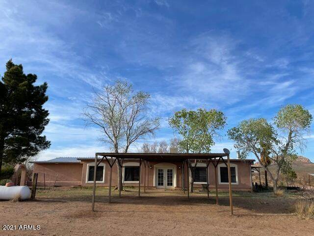 1205 E Jackrabbit Trail, Douglas, AZ 85607 (MLS #6224325) :: The Ethridge Team