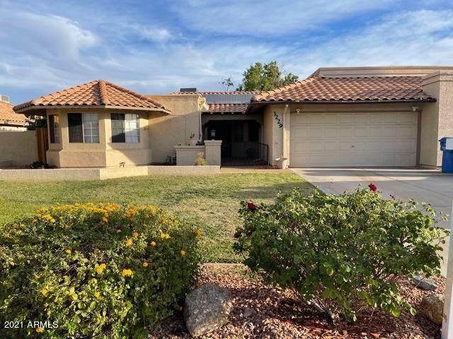 3229 E Desert Cove Avenue, Phoenix, AZ 85028 (#6230075) :: Long Realty Company