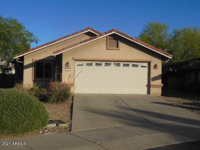 4413 Redwood Street, Sierra Vista, AZ 85650 (MLS #6231326) :: Yost Realty Group at RE/MAX Casa Grande