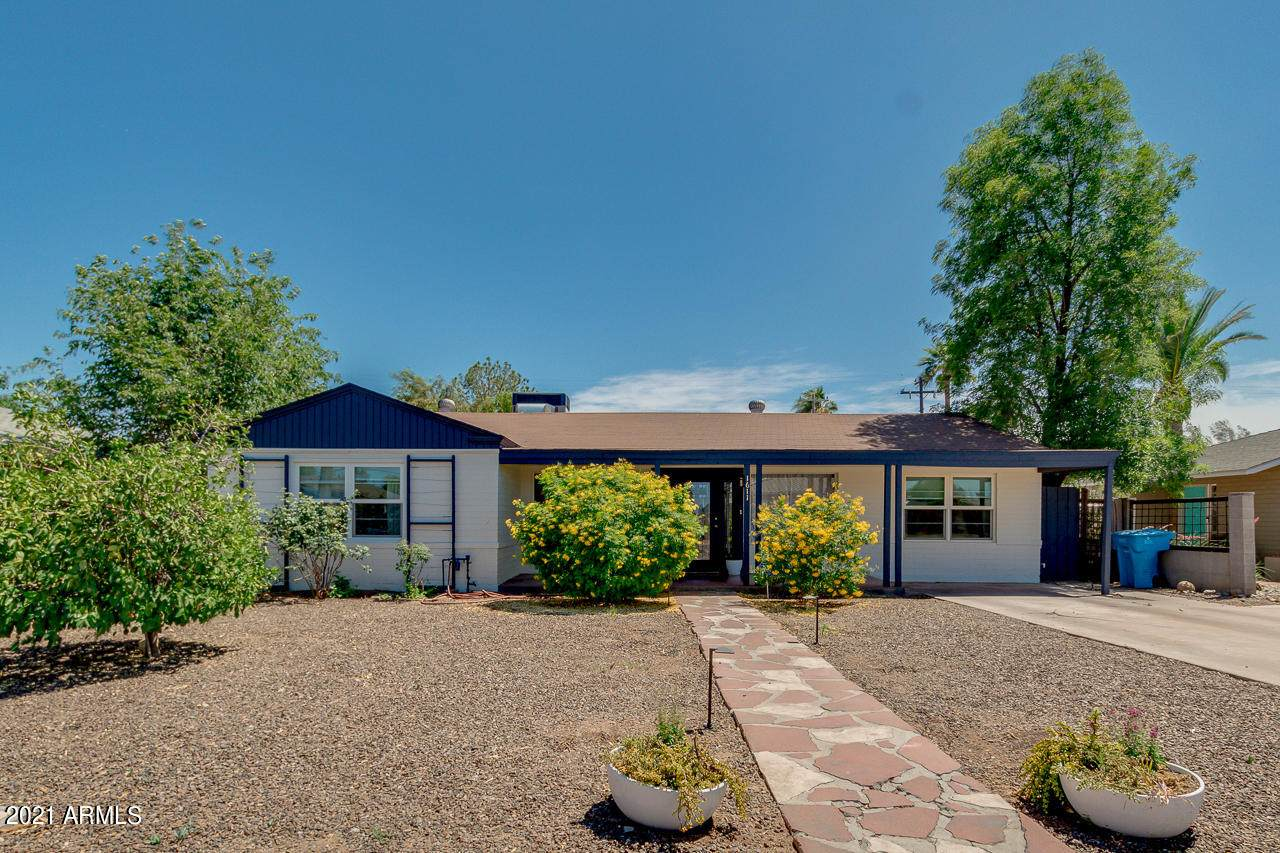 1611 Mulberry Drive - Photo 1