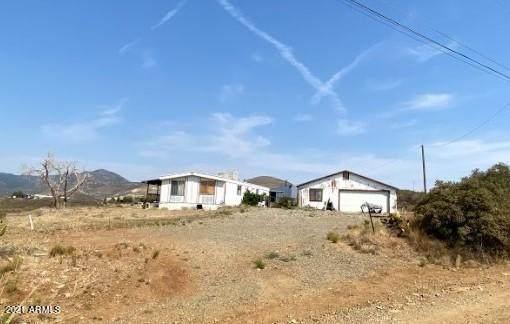 6220 S Country Road, Mayer, AZ 86333 (MLS #6252632) :: Yost Realty Group at RE/MAX Casa Grande