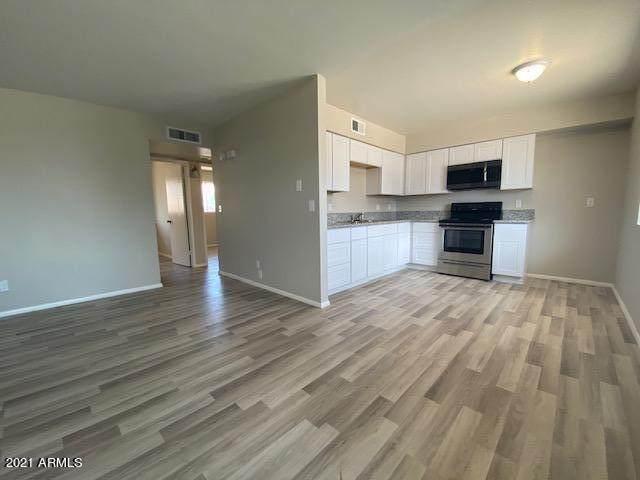 960 S Mara Drive, Apache Junction, AZ 85120 (MLS #6255196) :: Yost Realty Group at RE/MAX Casa Grande