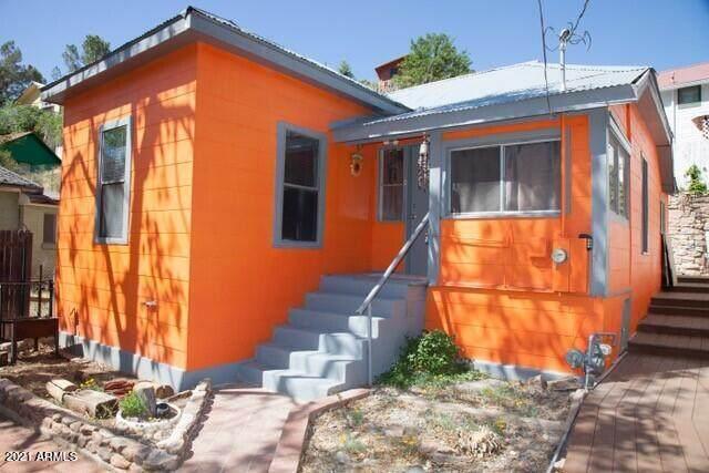 503A Mayer Avenue, Bisbee, AZ 85603 (MLS #6266957) :: Yost Realty Group at RE/MAX Casa Grande
