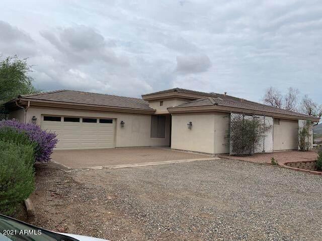 33250 S Summit Drive, Black Canyon City, AZ 85324 (MLS #6269503) :: Dijkstra & Co.