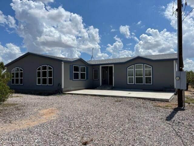 23253 E Corbett Road, Florence, AZ 85132 (MLS #6288893) :: Service First Realty