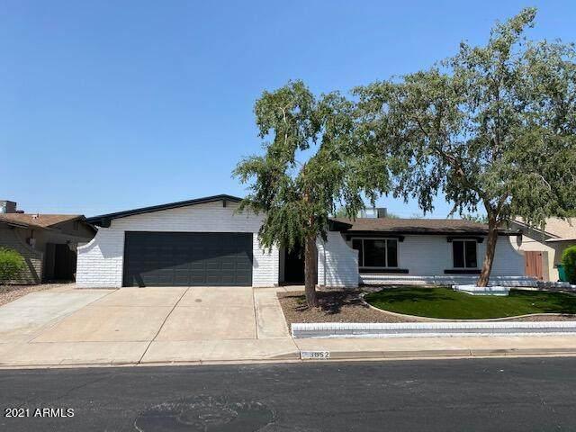 3052 S Noche De Paz Drive, Mesa, AZ 85202 (MLS #6290869) :: Klaus Team Real Estate Solutions