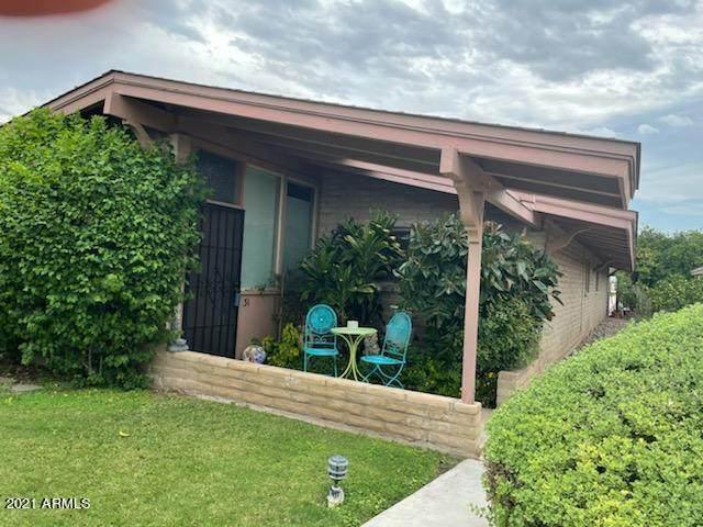 4203 N 36TH Street #31, Phoenix, AZ 85018 (MLS #6295988) :: Yost Realty Group at RE/MAX Casa Grande