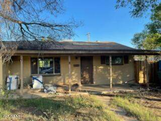8545 N 30TH Drive, Phoenix, AZ 85051 (MLS #6296646) :: Zolin Group