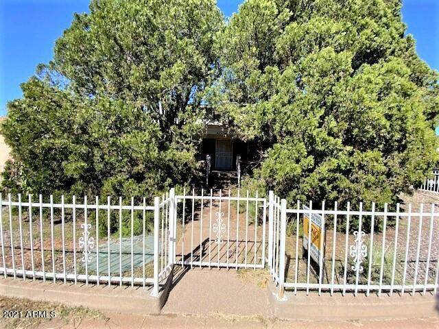 1380 E 10TH Street, Douglas, AZ 85607 (MLS #6308363) :: Elite Home Advisors