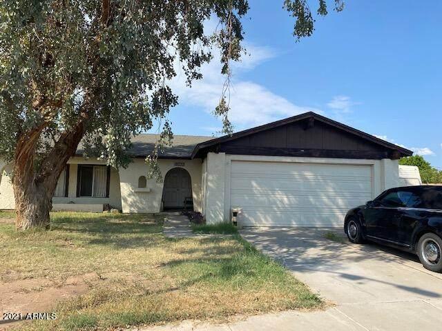 18033 N 49TH Avenue, Glendale, AZ 85308 (MLS #6308448) :: Fred Delgado Real Estate Group