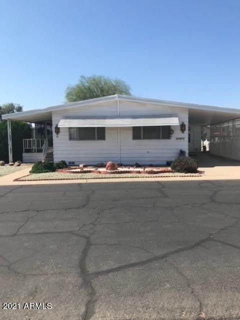 10960 N 67TH Avenue #30, Glendale, AZ 85304 (MLS #6309718) :: The Garcia Group